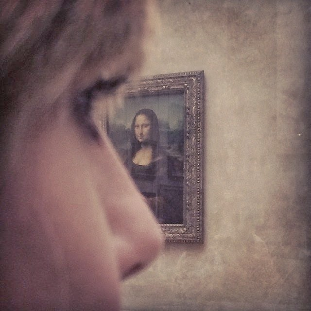 """Heidi Klum and Monalisa portrayal: """"Looking at you. . . . . looking at me!"""""""