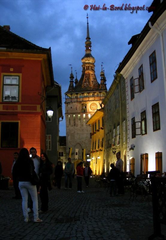turnul cu ceas sighisoara noaptea