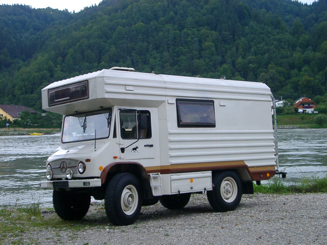 le camping car passe partout unimog. Black Bedroom Furniture Sets. Home Design Ideas