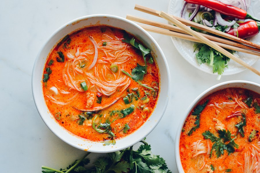 Yummy Recipes: 15-Minute Coconut Curry Noodle Soup