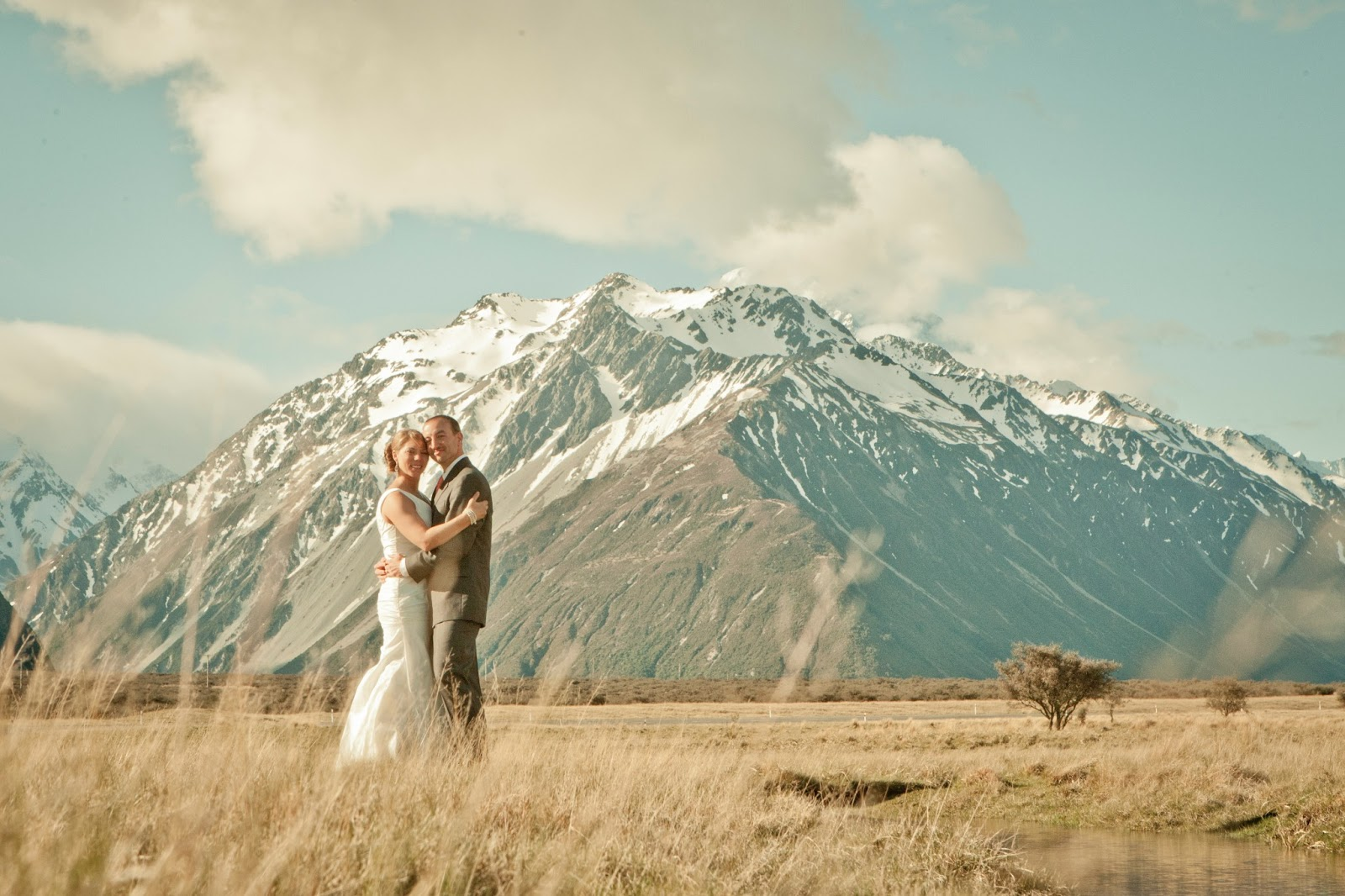 Choosing New Zealand As The Location For Their Destination Wedding Was A No Brainer Richard And Kim Who Had Been There Before Fallen In Love With