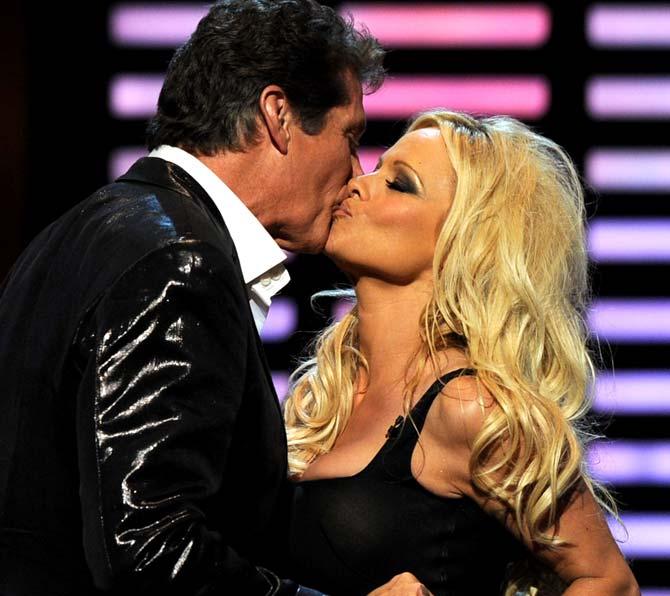 sexy celebrity kisses