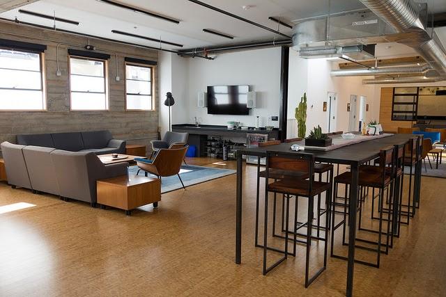 010-desain-interior-ruang-kantor-automattic.com