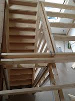 houten trap met balklaag