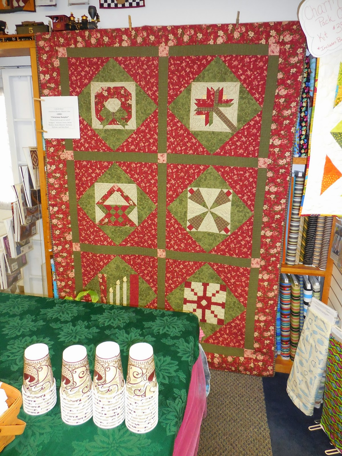 Country Quilts and Bears: Christmas Mystery Quilts Through the Years : country quilts and bears - Adamdwight.com