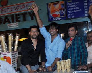 Vivek Oberoi Aftab At Gaiety Galaxy 35.JPG