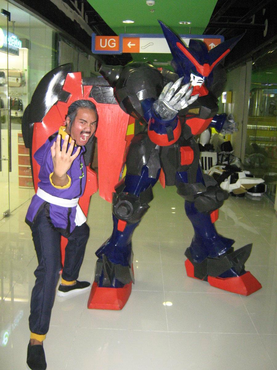 2 old 4 anime   cosplay  gundam mecha