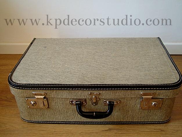 Venta de maletas antiguas para productoras y decoradores en valencia