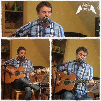 Nun War Es Zeit Den Ersten Song Der Stilrichtung Bluegrass Zu Performen Dies Verband Norm Mit Einem Kanadischen Sprichwort In Dem Heisst Take The Long