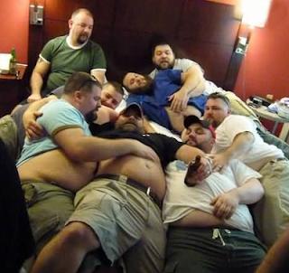 Smešne slike: uspela žurka debeljuca