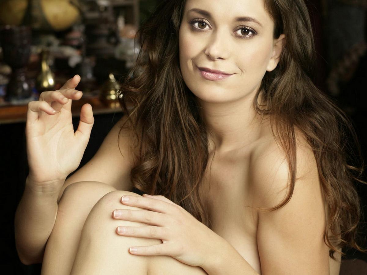Summer Glau nice nude