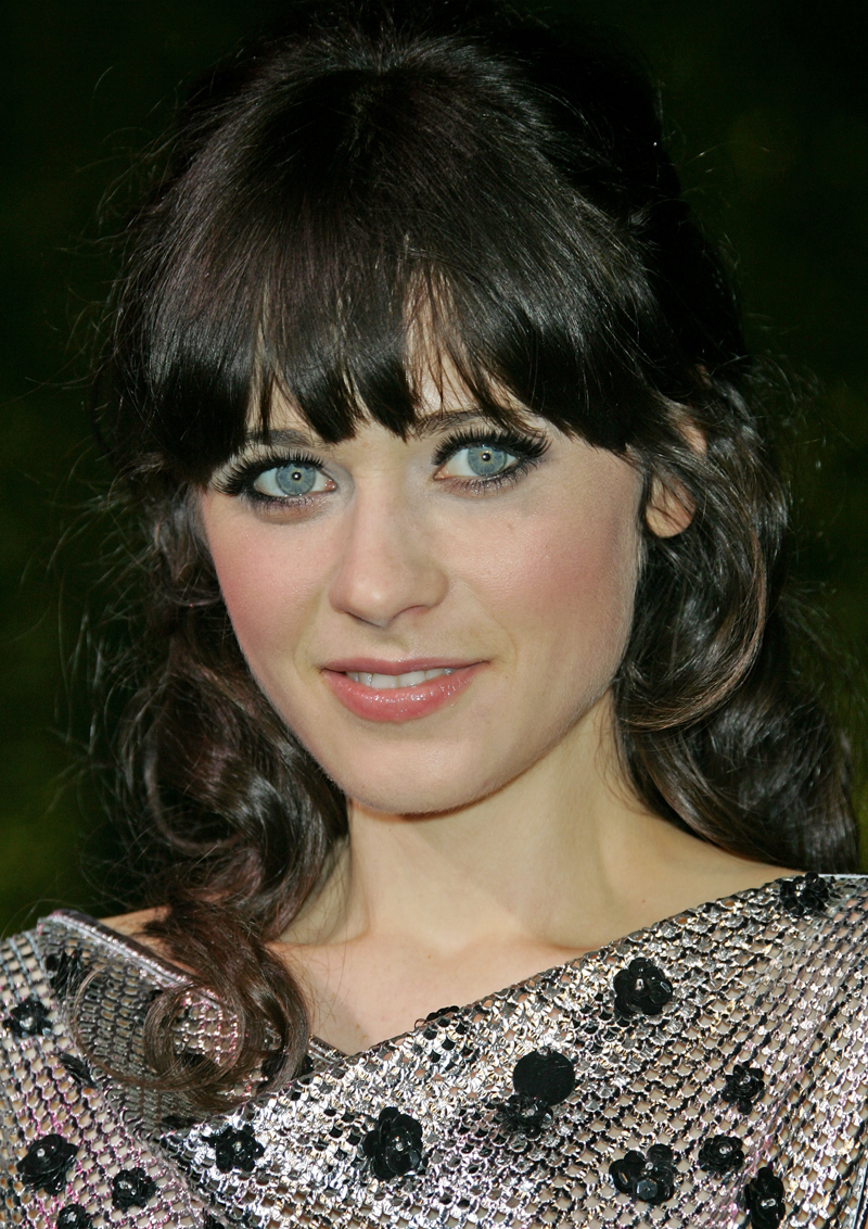 Fresh Look Celebrity Zooey Deschanel Hairstyles 16