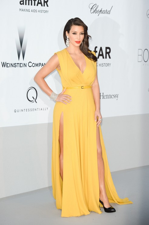 Kim Kadarshian at amfAR to make Aids as History_MyClipta_001