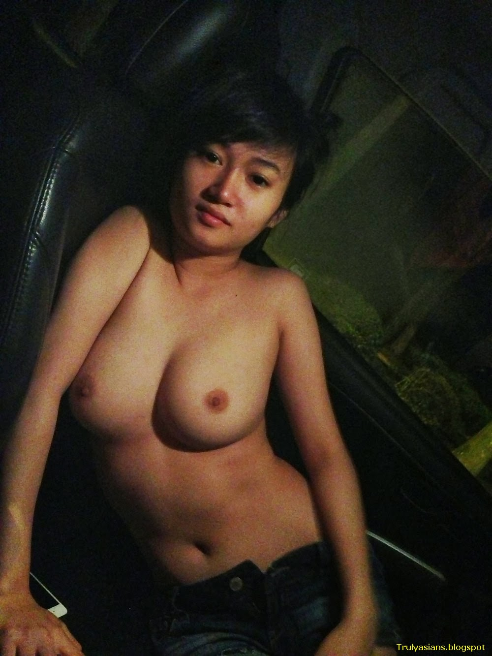 taiwan girl in a naked