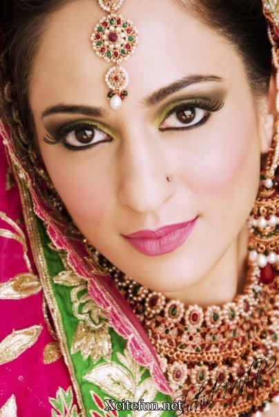 Pakistani Beautiful Bridal Collection - Bridal Makeup And Maang Tikka Jewelry