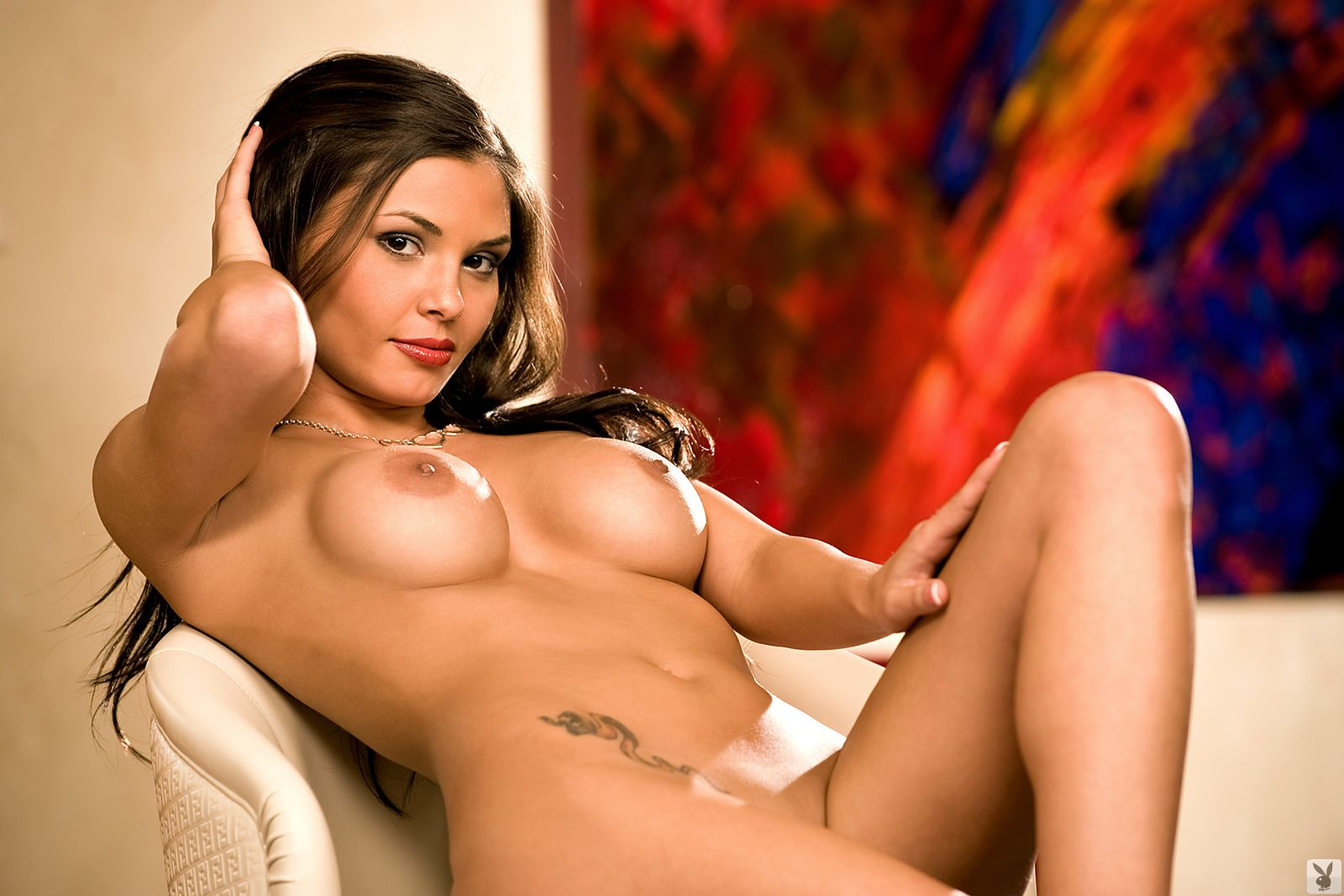 Пышная голая женщина девушка 21 фотография