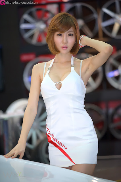 2 Choi Byeol Yee - Seoul Auto Salon 2012-Very cute asian girl - girlcute4u.blogspot.com