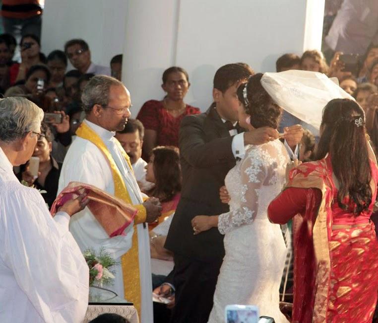 Meera Jasmine Anil Josh wedding photos gallery-HQ-Photo-7