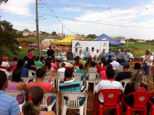 40 famílias recebem as chaves de suas casas próprias em Roncador