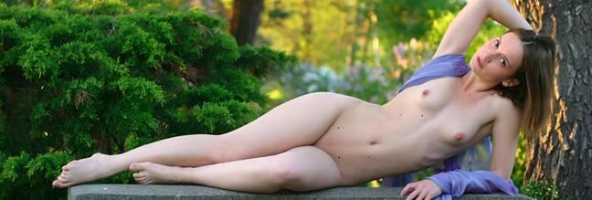 Фото и видео голых девушек