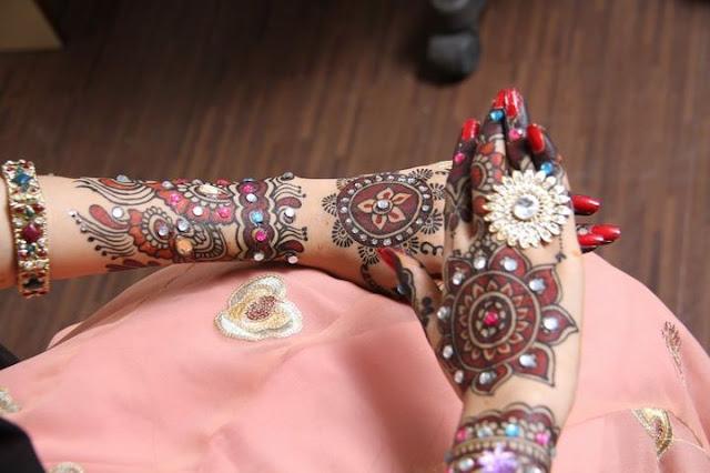 Designer Black Mehndi Design