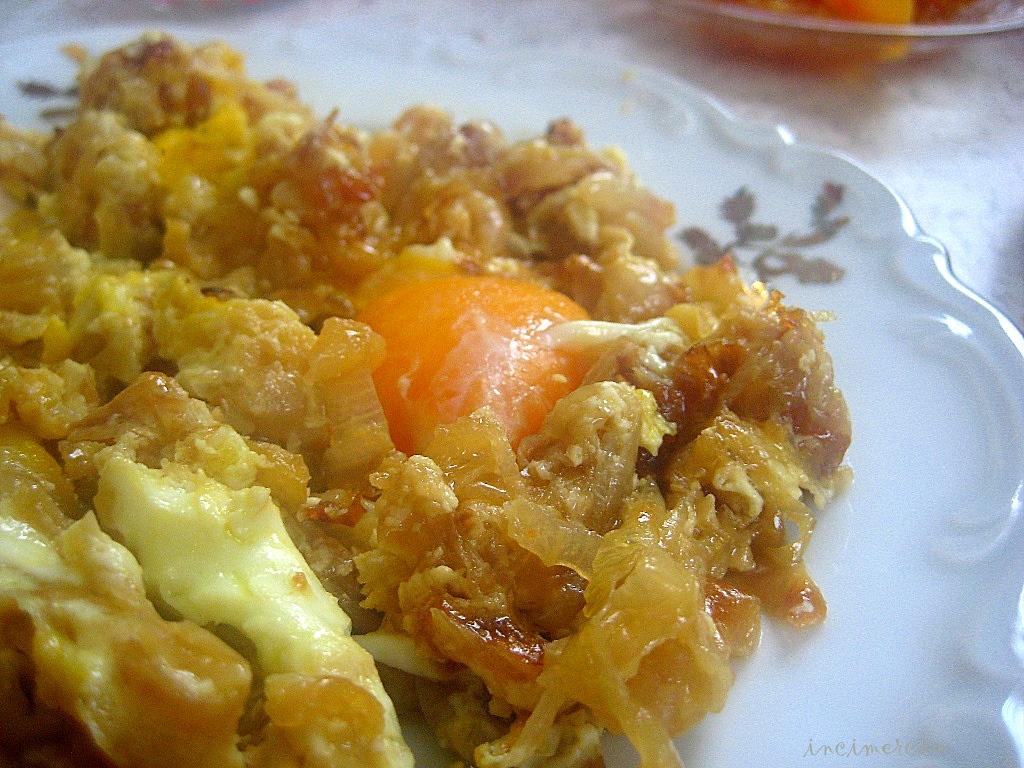 İnci Mercan: Soğanlı Yumurta