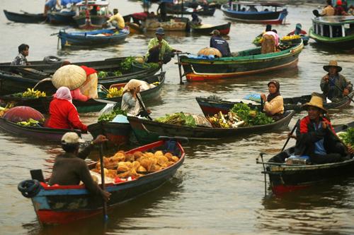 Pasar Terapung Muara Kuin di Banjarmasin, Kalimantan Selatan 3