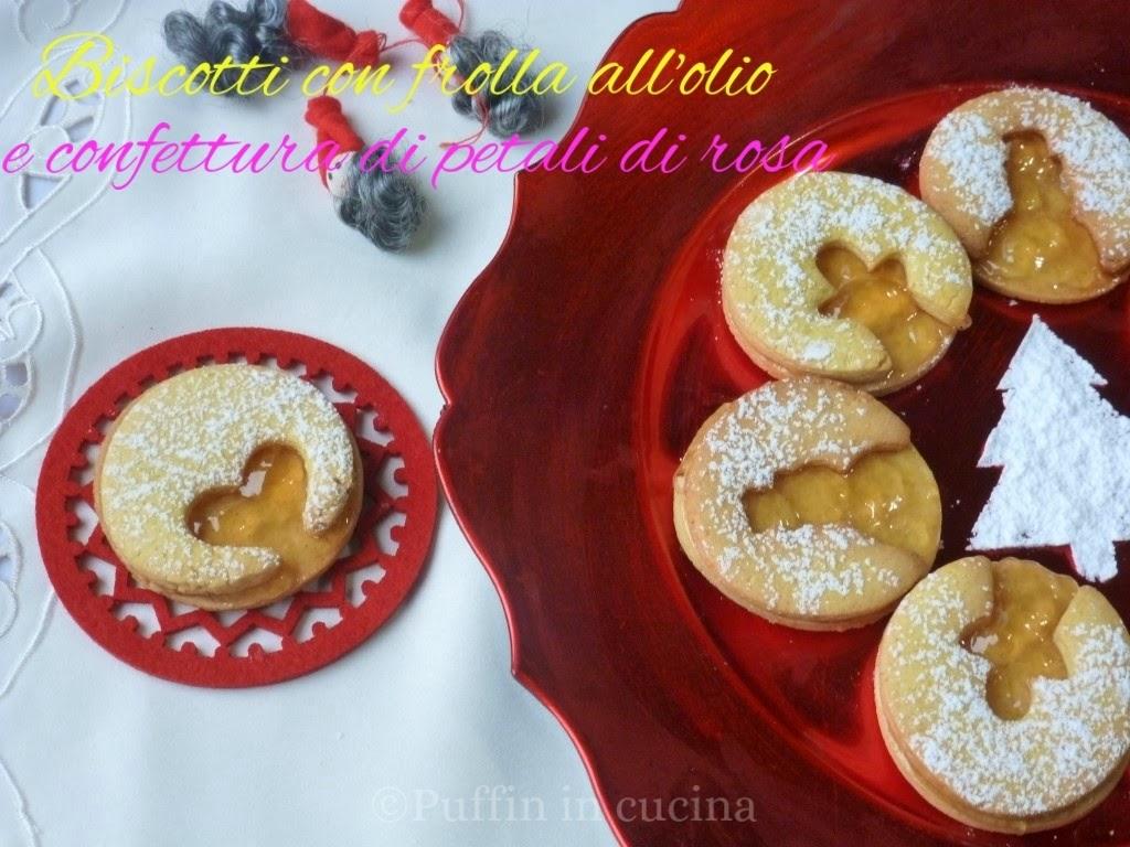 biscotti natalizi con frolla all'olio e marmellata di petali di rosa.....