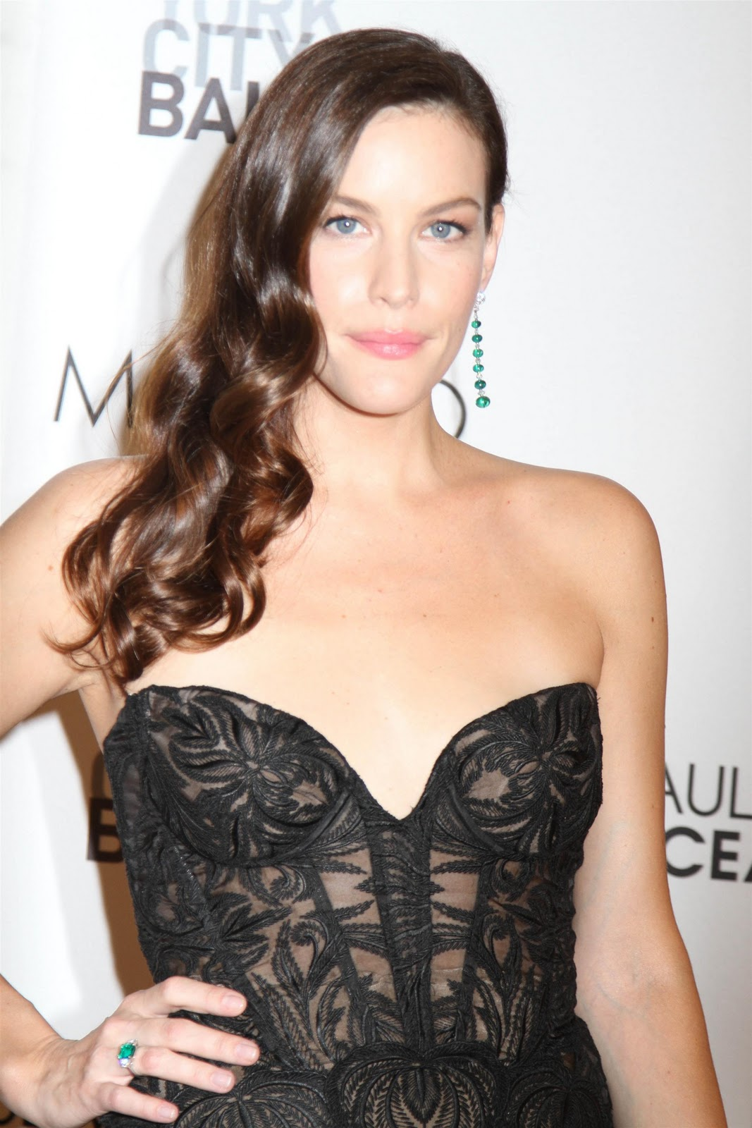 Liv Tyler looked gorgeous in black at Ballet Fall Gala ...