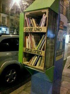 http://www.konbini.com/mx/estilo-de-vida/grenoble-introduce-dispensadores-de-literatura-en-sus-calles/