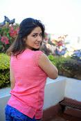 Prabhajeet Kaur Glamorous Photo shoot-thumbnail-59