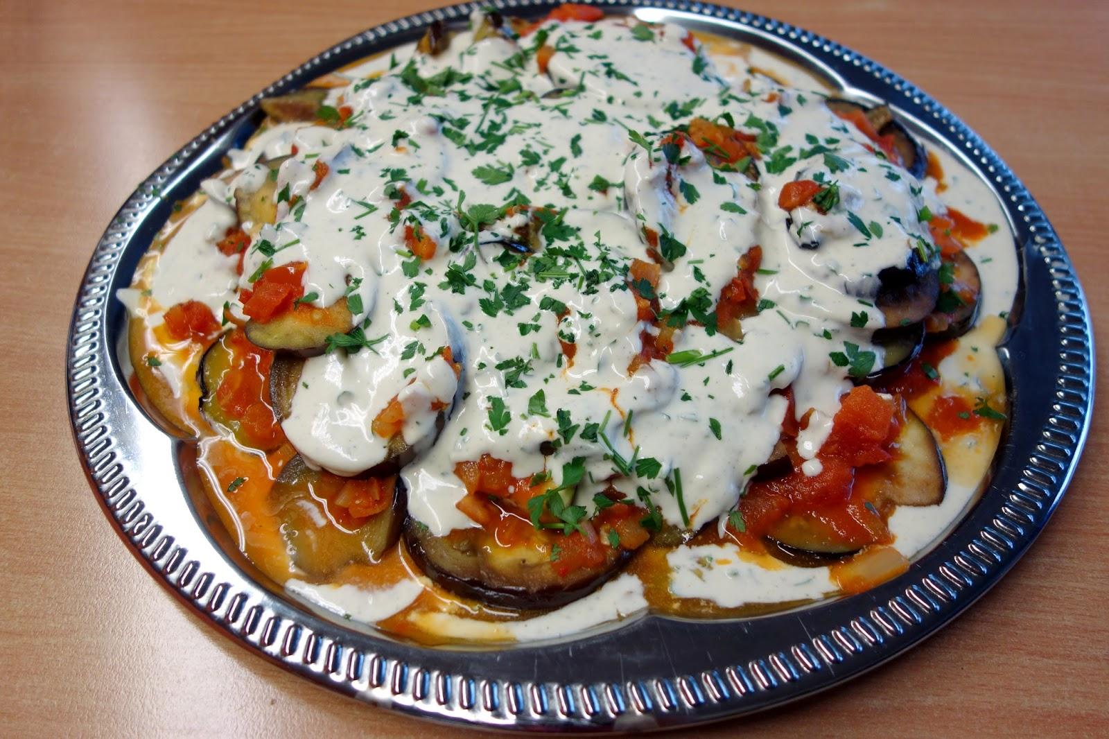 Groni\'s Kitchen: Auberginen mit Tomatensugo und Crème Fraîche