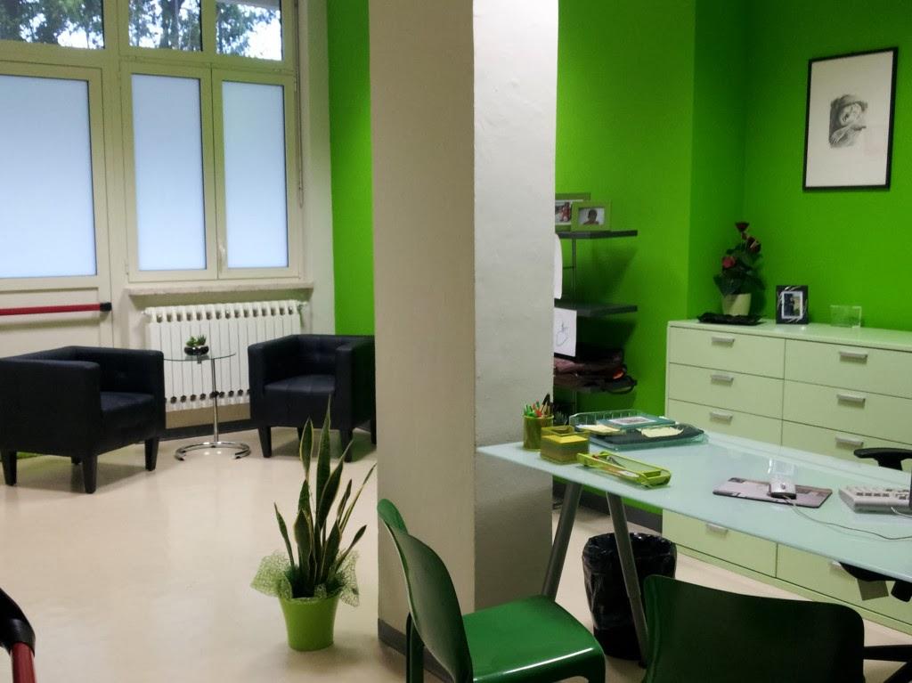 10 fotos de oficinas color verde colores en casa for Decoracion de oficinas