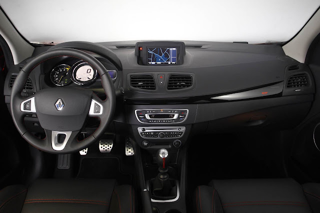 Renault Fluence GT Turbo - interior