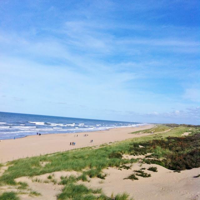 The beach. My happy place - Suus Geniet