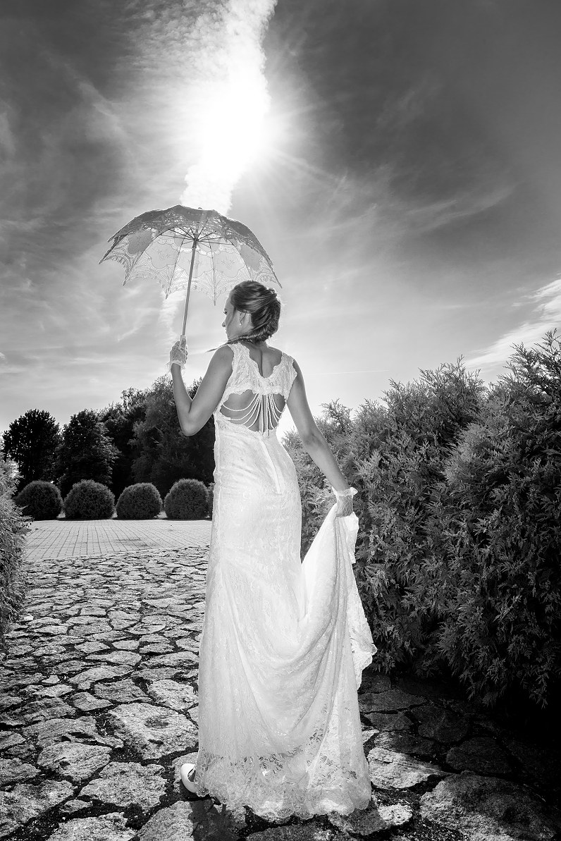 vestuvinis baltas skėtukas