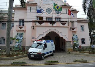Ambulância UTI cedida pelo Estado vai atender a UPA