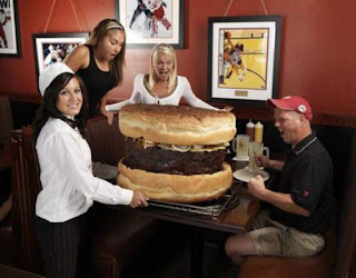 Foto The Guinness Book of World Records Hamburger Terbesar di dunia