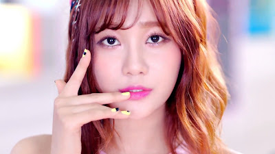 AoA Yuna in Heart Attack MV