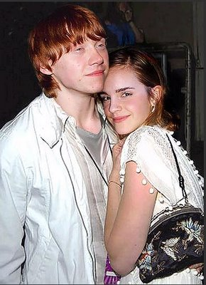 Super Hollywood: Rupert Grint With His Girlfriend Emma ...