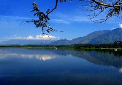Indahnya Danau Parahyangan Situ Bagendit, Garut