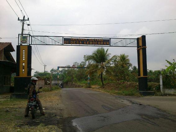Jangan ke desa ini kalau lagi musim hujan ya..^^ ( klik gambar u