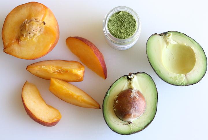 matcha for avocado smoothie recipe by SeasonWithSpice.com