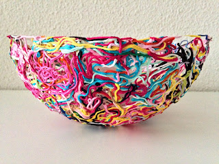 by Marrose - Colourful Crochet & Crafts (http://marrose-ccc.com/tutorials-2/yarn-ends-bowl/)