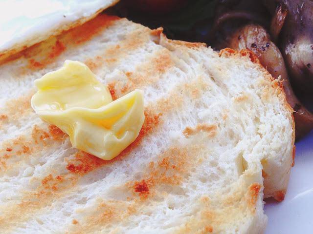 W39 Bistro & Bakery Toast