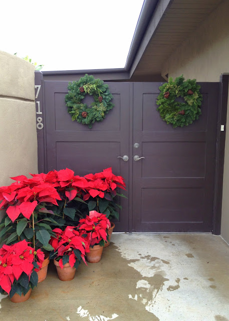 Mid-century modern Christmas front gate