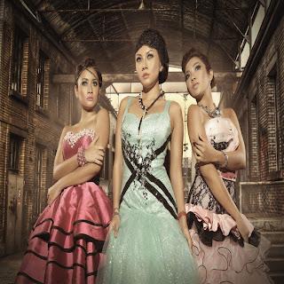 Trio Macan - Buka Sitik Joss