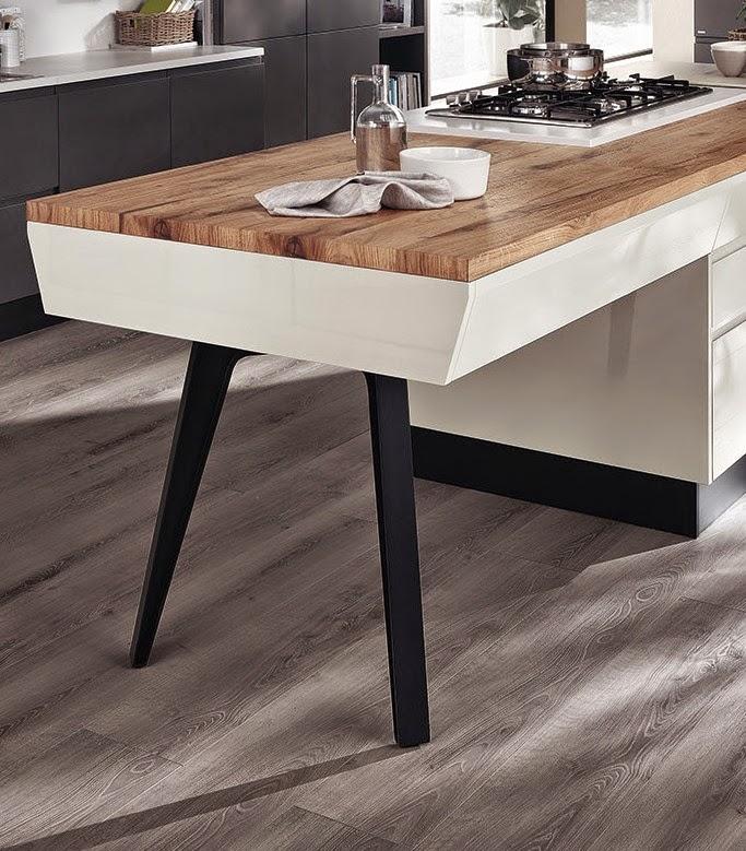 La cucina e il tavolo... con i cavaletti | Gena Design