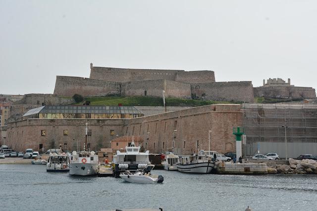 Vieux Port Marseille fort