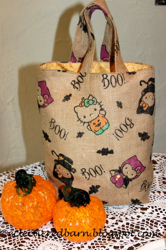 Hello Kitty Halloween Tote @Eclectic Red Barn